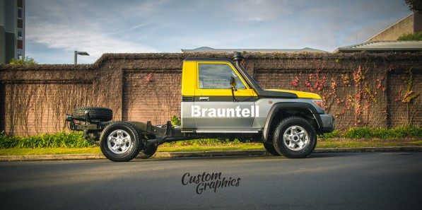 Brauntell Land Cruiser Vinyl Wrap